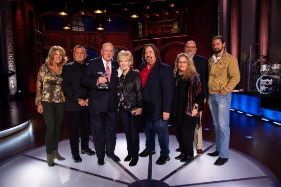 MIKE HUCKABEE RECEIVES 2020 CHARLIE DANIELS PATRIOT AWARD